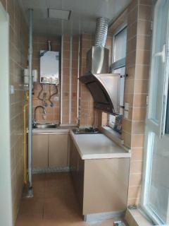 城中央精装一室出租 水电气齐全 拎包入住