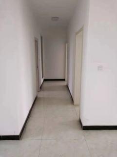 惠源小区2期108平带地下室60万