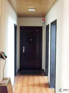 210平可做住宅或写字楼,急于出售价格面议