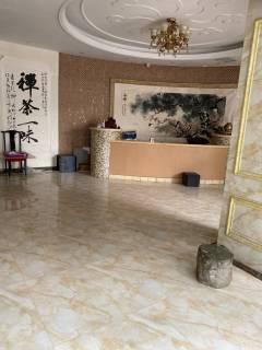 4室1厅2卫140m²精装修