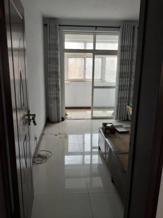 (华龙区)温泉花园3室2厅2卫107m²中档装修