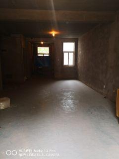 (华龙区)濮水社区5室5厅3卫75万270m²出售